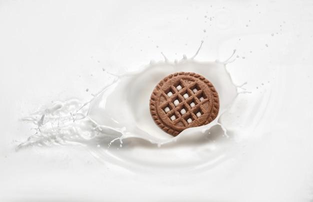 Ciasteczka w mleku z odrobiną