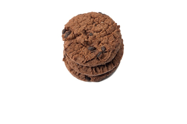 Ciastko czekoladowe na białym tle