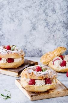 Ciasto choux paris brest z malinami