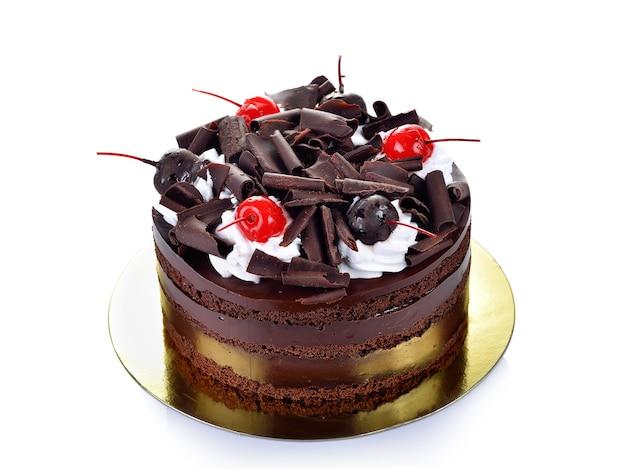 Ciasto czekoladowe na białym tle