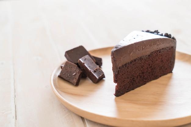 Ciasto czekoladowe na drewnie