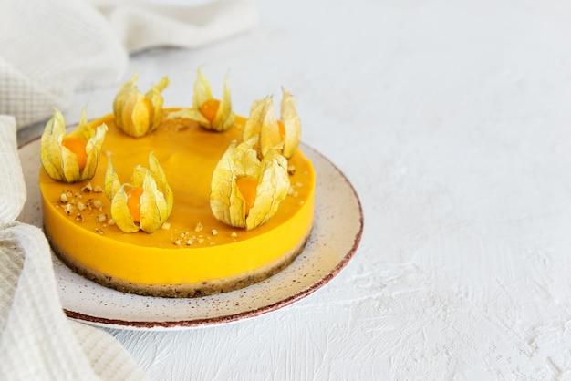 Ciasto dyniowe ozdobione pęcherzycą