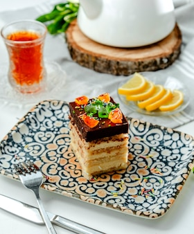 Ciasto miodowe na stole