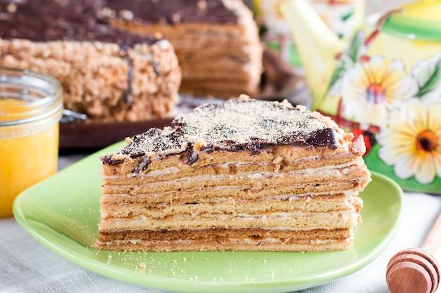 Ciasto miodowe z kremem waniliowym