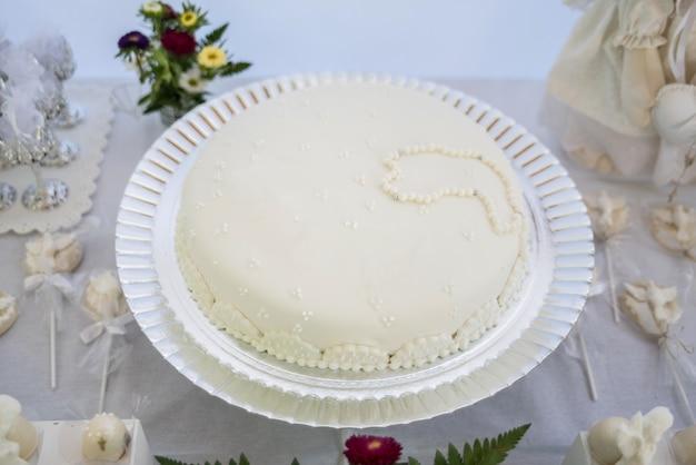 Ciasto na stole - chrzest