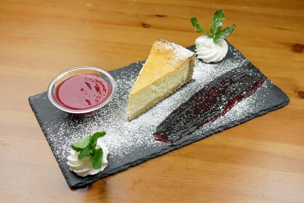 Ciasto na stole w restauracji