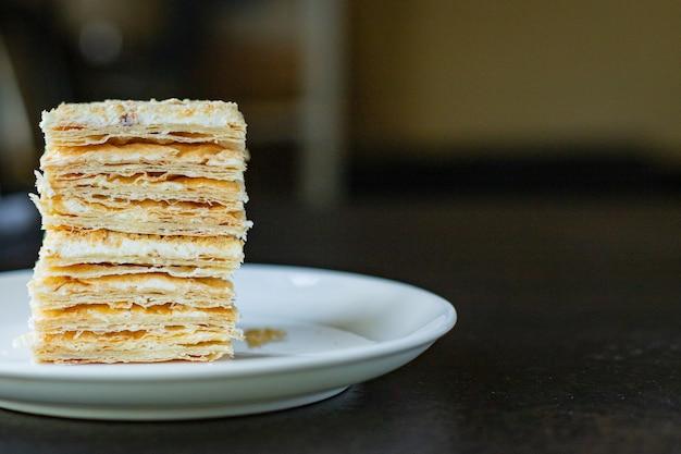 Ciasto napoleon ciasto francuskie deser słodki przekąska na wynos