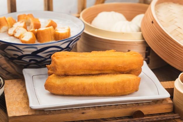 Ciasto smażone z chin lub ciasto w głębokim tłuszczu