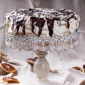 Ciasto w polewie czekoladowej. ciasteczka świąteczne i noworoczne, gift.selective focus