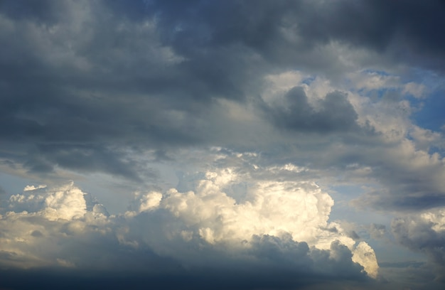 Ciemna chmura