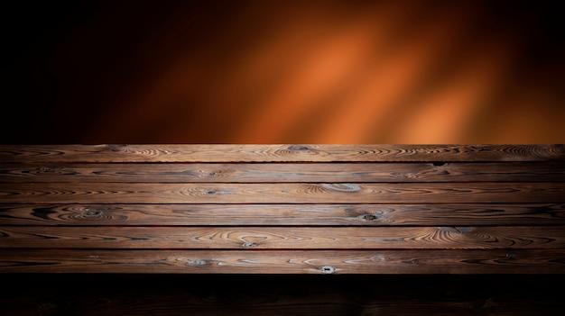 Ciemne drewniane, stół na produkt, stare drewniane wnętrze perspektywy