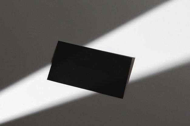 Ciemne zdjęcie szablonu tożsamości firmy
