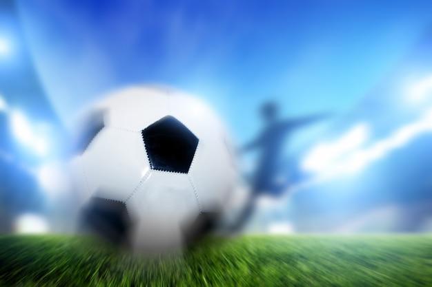 Cień uderzając piłkę