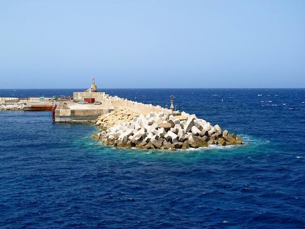 Cieśnina między wyspą malta a wyspą gozo