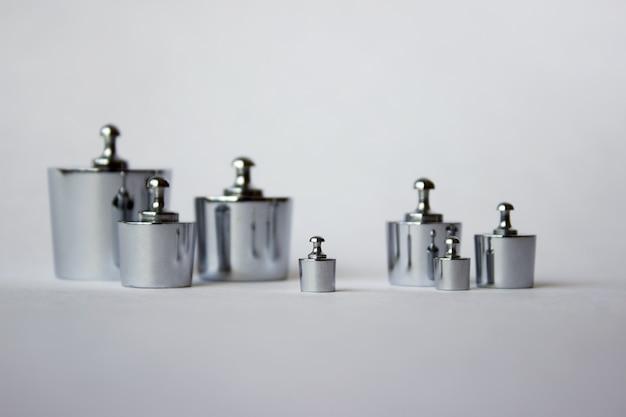 Ciężarki metalowe. narzędzia metrologiczne i pomiarowe.