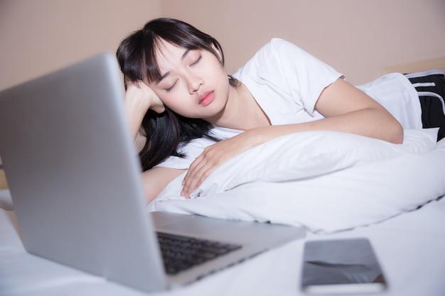 Ciężka praca nawet rano w łóżku jest kluczem do sukcesu
