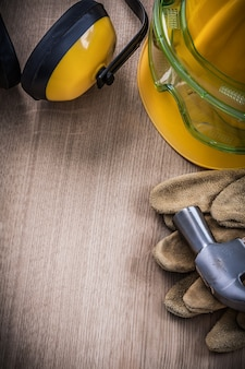 Claw hammer gogle skórzane rękawice ochronne kask ochronny nauszniki.