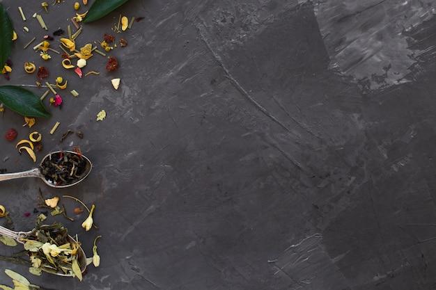 Close-up aromatyczne przyprawy z miejsca kopiowania