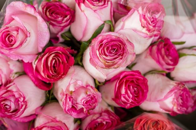 Close-up piękna wiązka róż