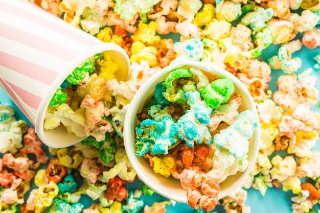 Close-up popcorn w pucharach