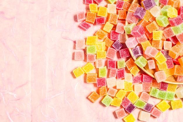 Close-up wielu kolorowych cukierków