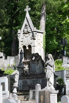 Cmentarz łyczakowski we lwowie na ukrainie