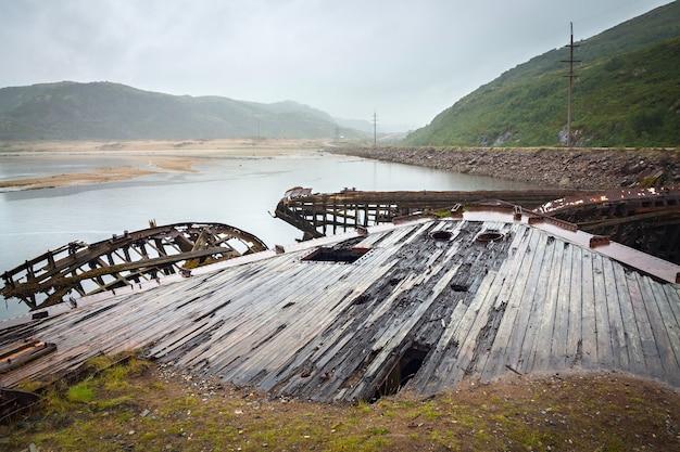 Cmentarz statków na północy za kołem podbiegunowym.