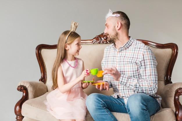 Córka i tata w dzień ojca