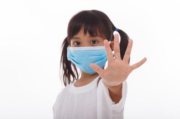 Coronavirus covid-19. zostań w domu koncepcja bezpieczeństwa.