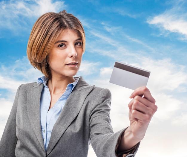 Corporate kobieta niebie latem