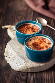 Creme brulee w doniczkach