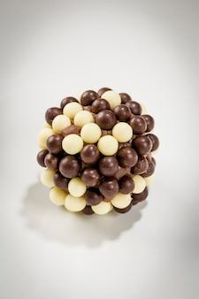 Crispy brigadeiro to brazylijski słodycz.