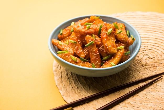 Crispy honey chilli potatoes to super uzależniająca przekąska z indyjskiej kuchni chińskiej
