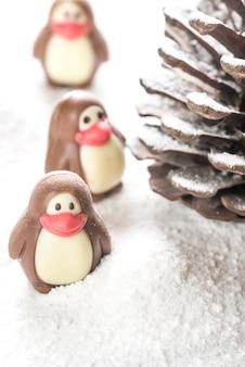 Cukierki czekoladowe w kształcie pingwinów
