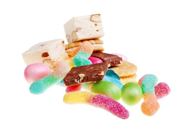 Cukierki na białym tle