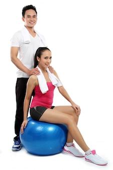 Ćwiczenia mężczyzny i kobiety