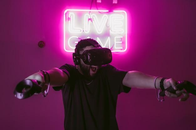 Cyberpunk styl neon i świat cyfrowy