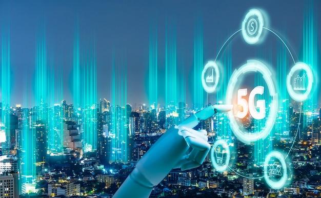 Cyfrowy hologram sieci 5g i internet przedmiotów na tle miasta