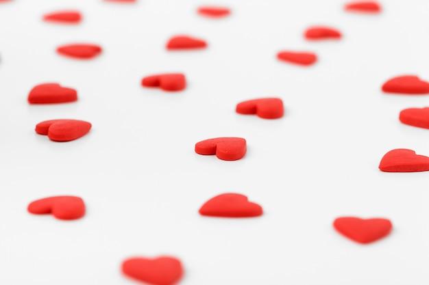 Cynamonowe serce z cukierków