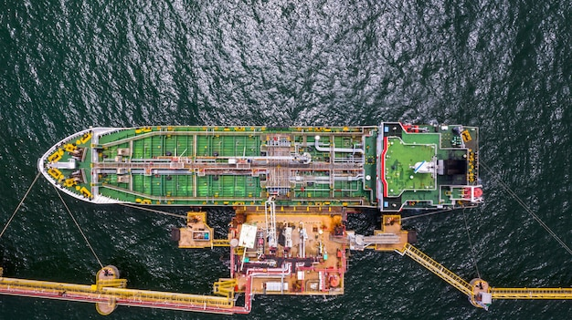 Cysterna logistyczna i transportowa przemysł naftowy i gazowy na otwartym morzu