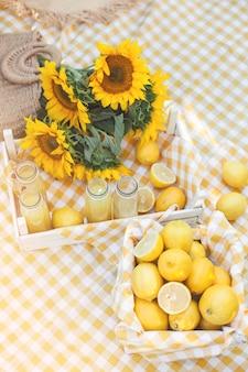 Cytryny ze słonecznikami