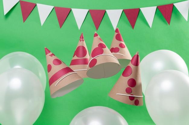 Czapki girlandy balonów