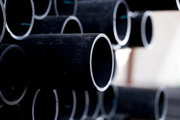 Czarna gumowa rura pvc flex rura lub wąż przemysłowy do przenoszenia powietrza z oleju napędowego.