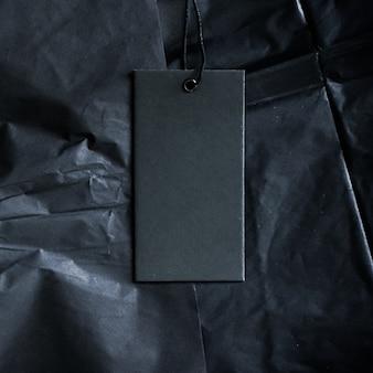 Czarna luksusowa etykieta z metką zrównoważoną modą i marką marki