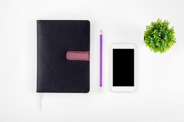 Czarna okładka ze skóry notatnik lub pamiętnik dla przypomnienia