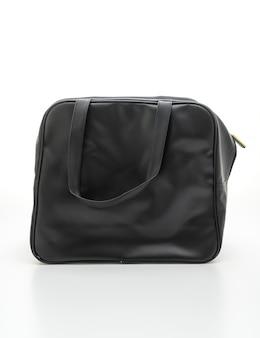 Czarna skórzana torba na białym tle