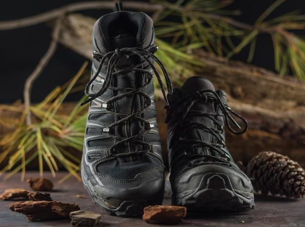 Czarne buty turystyczne