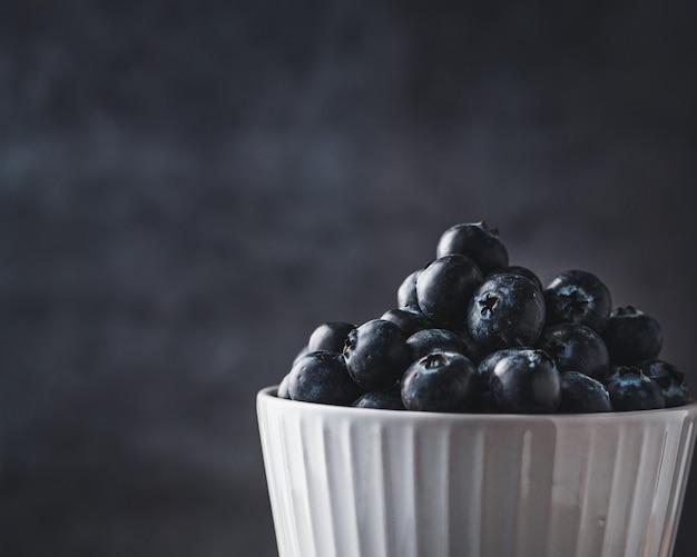 Czarne jagody w pucharze, zakończenie