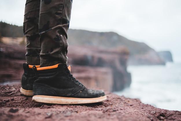 Czarne sznurowane buty męskie