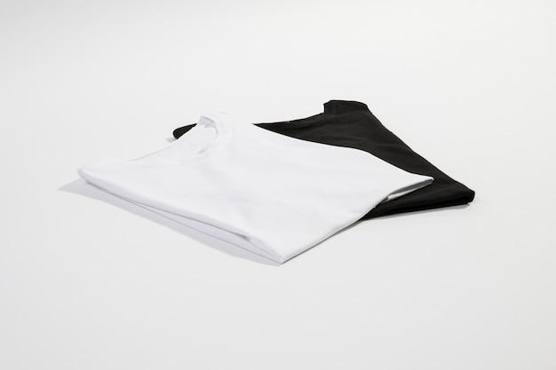 Czarno-białe t-shirty